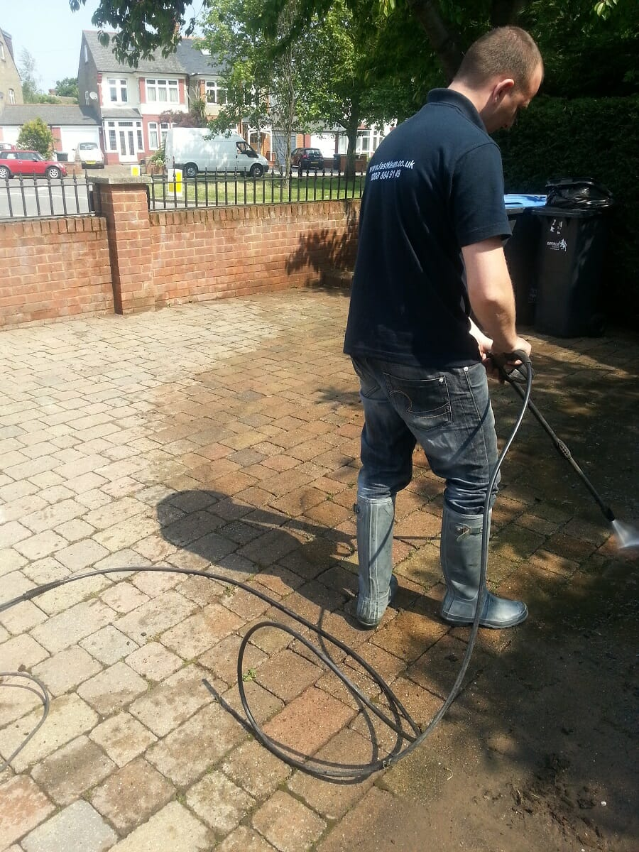 How much does driveway cleaning cost |Patio Cleaning Prices |FastKlean