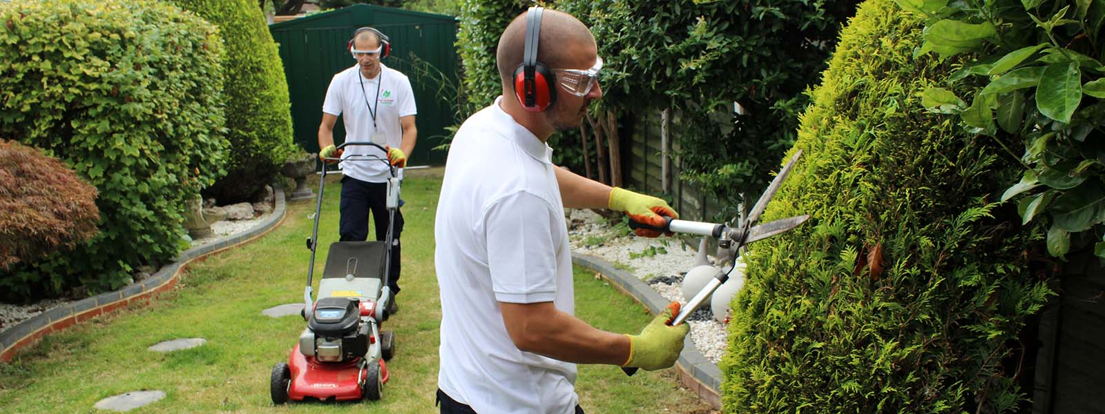 Landscaping Gardening Services Landscaping and gardening services in london gardeners maintenance landscaping and gardening services in london workwithnaturefo